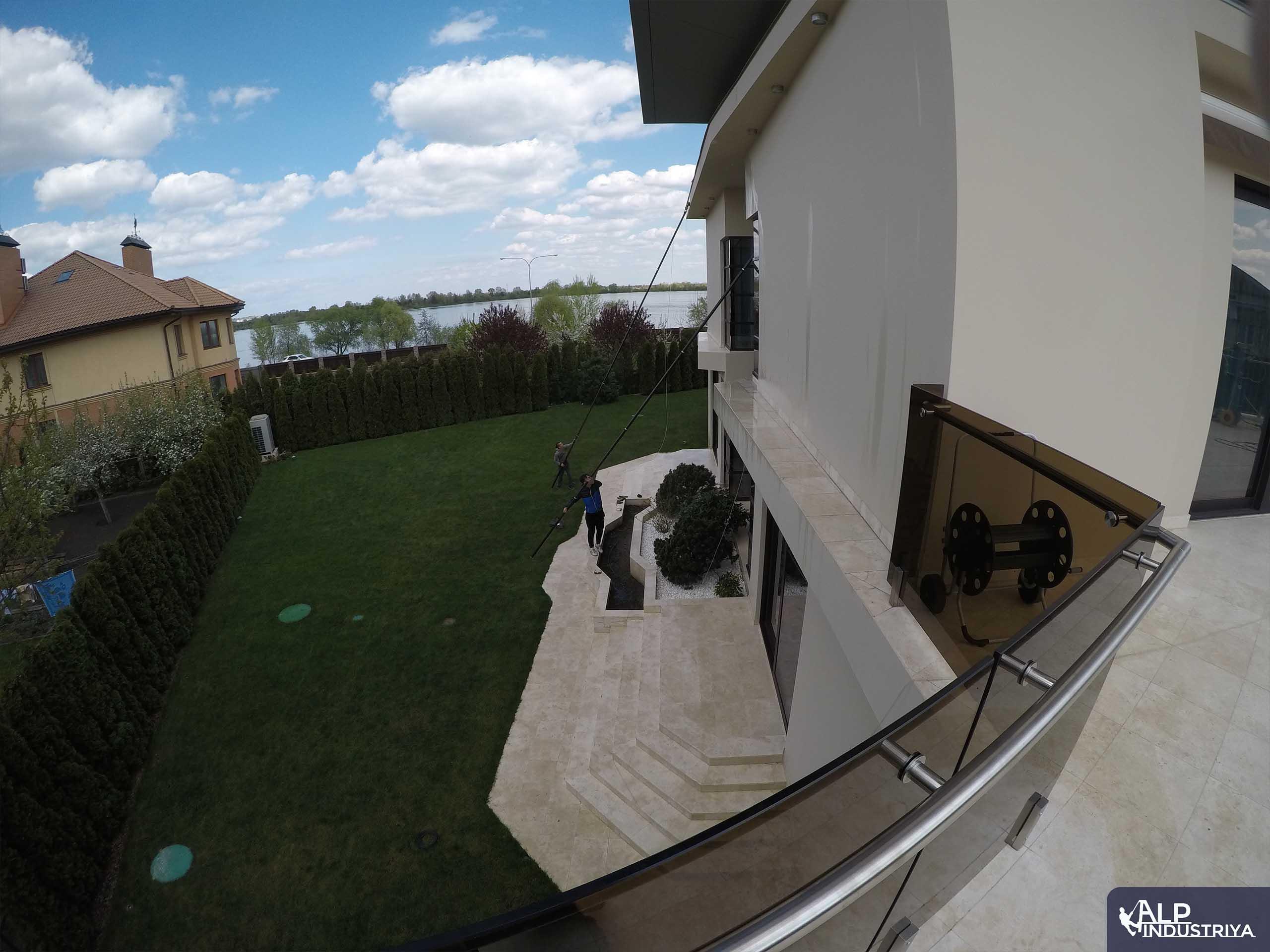 Очистка дома с использованием карбоновых штанг-3