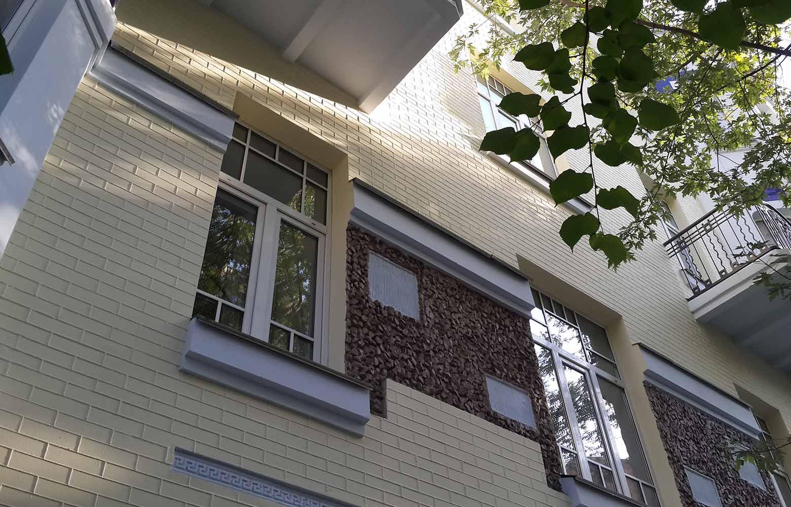 Реставрация фасадов зданий.