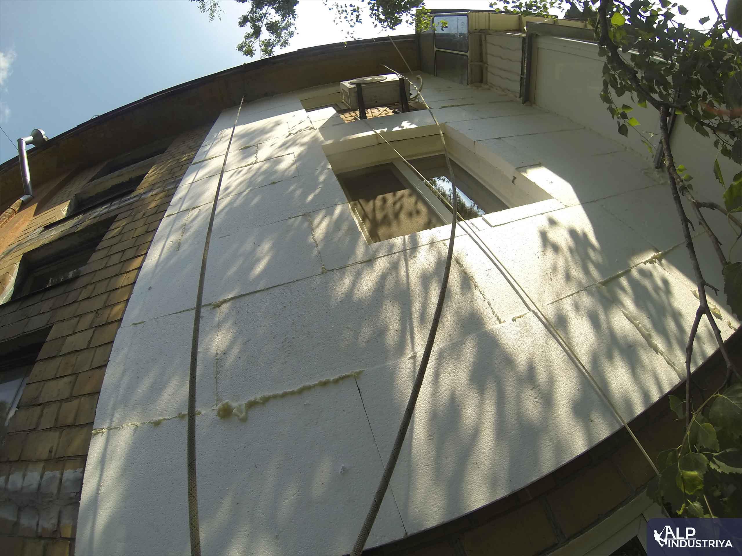 Монтаж утеплителя и отделка стен снаружи дома-2