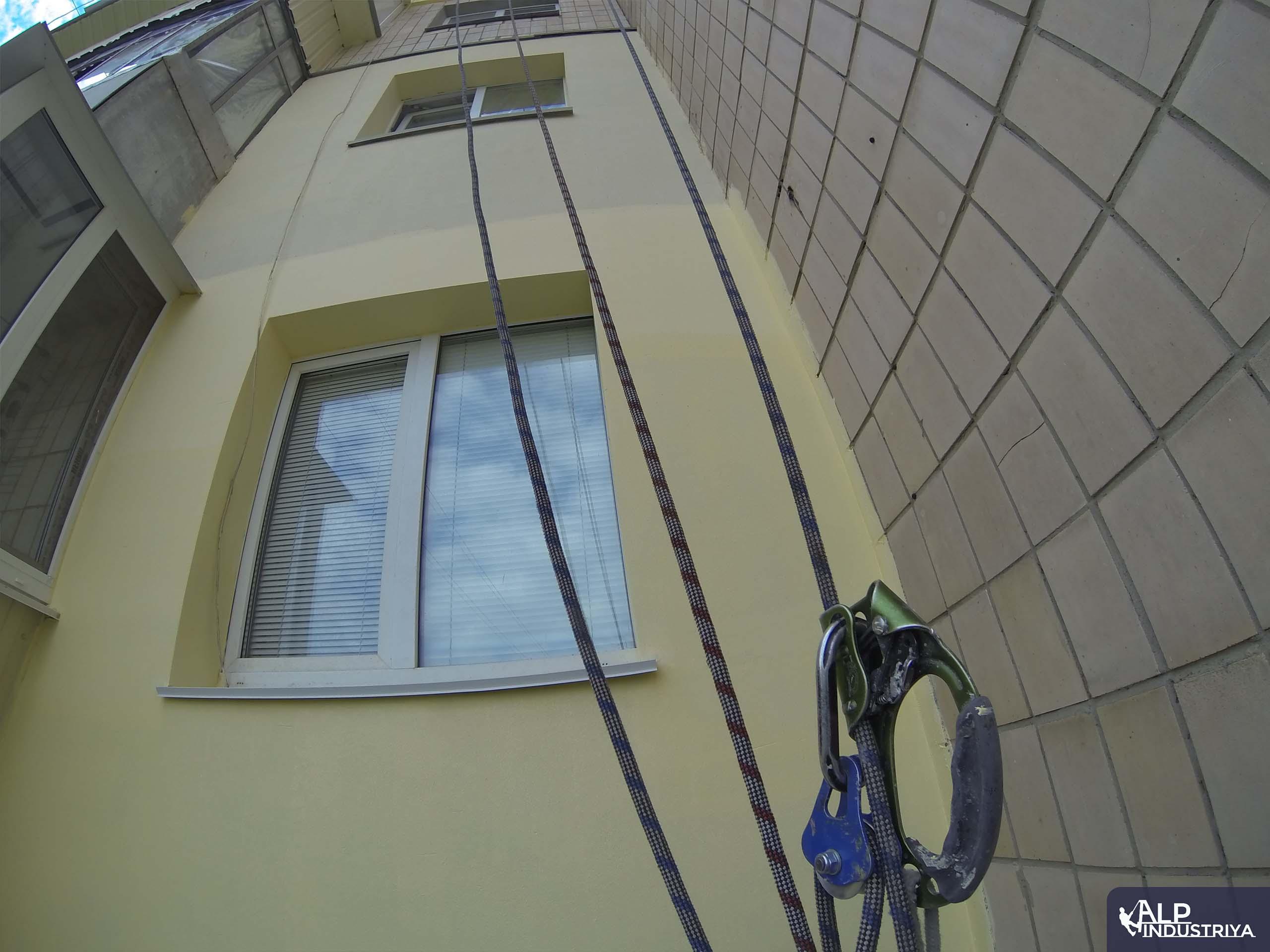 Утепление фасада многоэтажки методом промышленного альпинизма-4