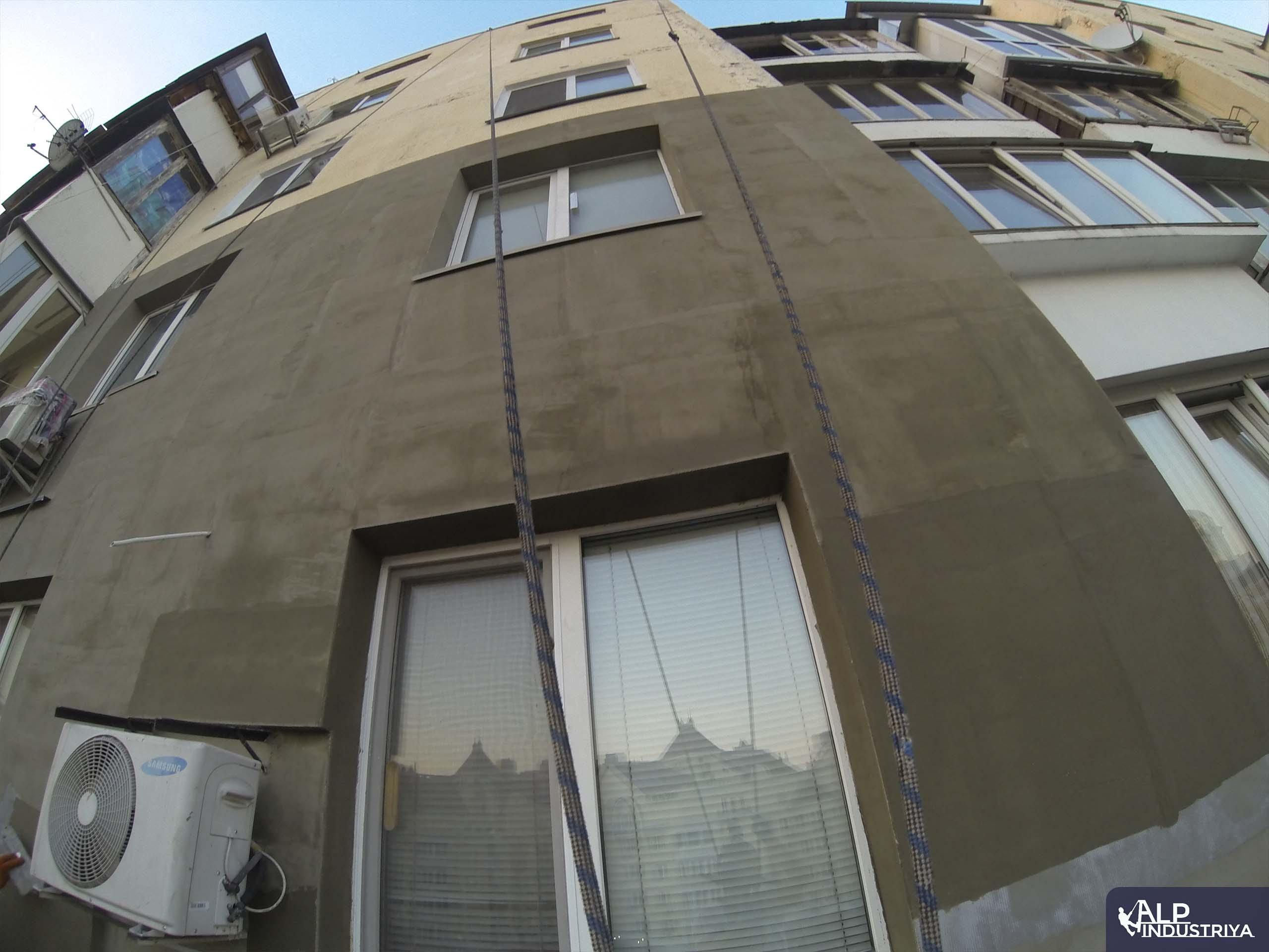 Утепленный фасад квартир многоэтажного жилого дома-5