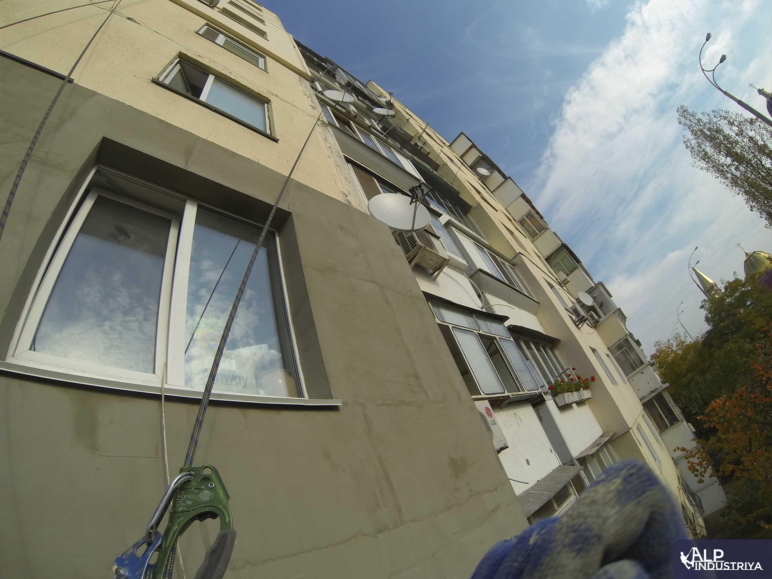 Утепленный фасад квартир многоэтажного жилого дома-6