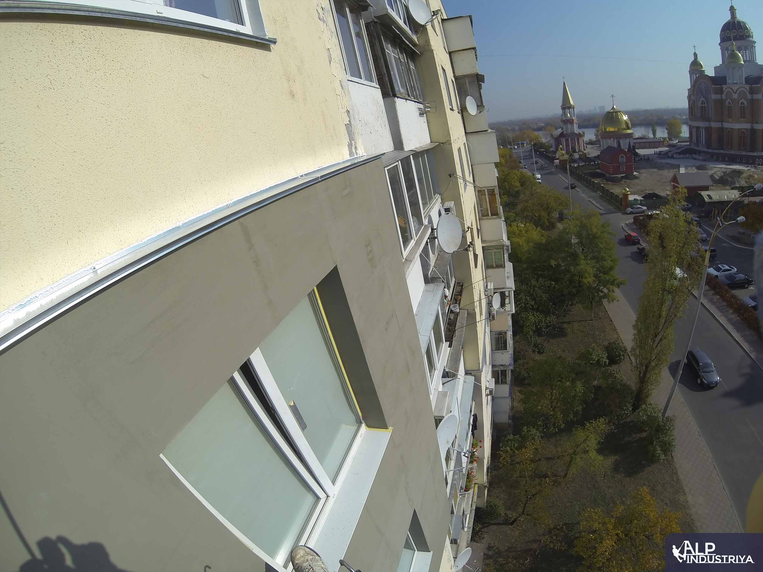 Утепленный фасад квартир многоэтажного жилого дома-7
