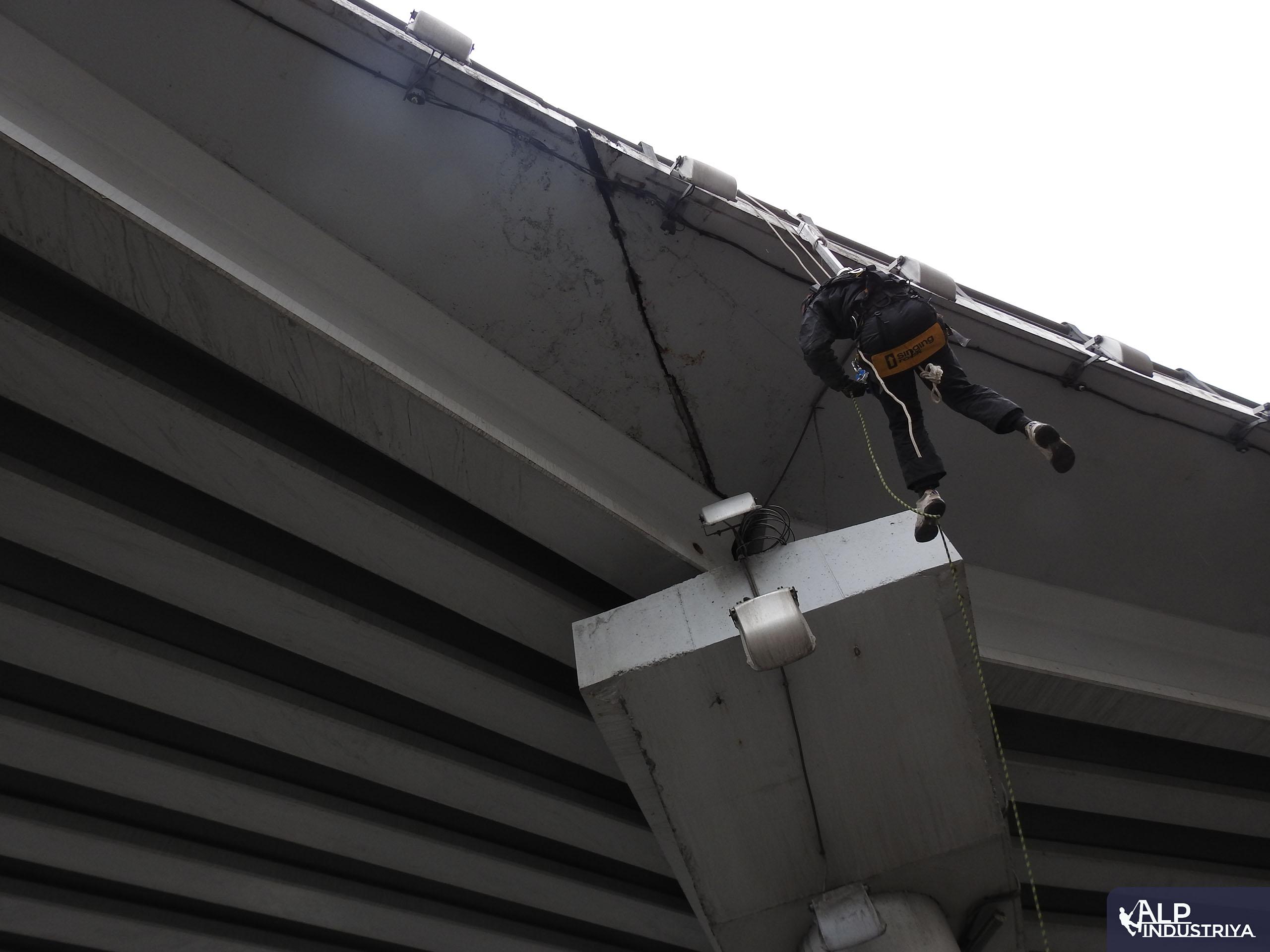 Монтаж камер альпинистами 7